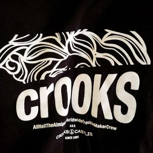Guc Crooks and Castles mens graphic tee size S